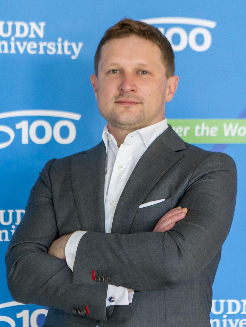 Ястребов Олег Александрович